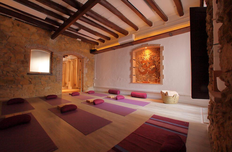 Sala ioga | RELS IOGA | yoga, terapias, nutrición | Caldes d'Estrac (Caldetes) Maresme (Barcelona)